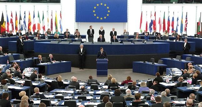 المفوضية الأوروبية: تركيا والاتحاد حلفاء استراتيجيون في مكافحة الإرهاب