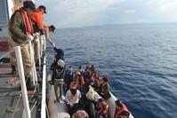 خفر السواحل التركي ينقذ مهاجرين من البحر (من الأرشيف)