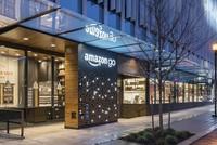 Amazons erster Supermarkt ohne Kassen öffnet für das Publikum. Die Vision hinter «Amazon Go» ist, dass Käufer die Waren direkt in ihre Einkaufstaschen legen - und am Ende das Geschäft...
