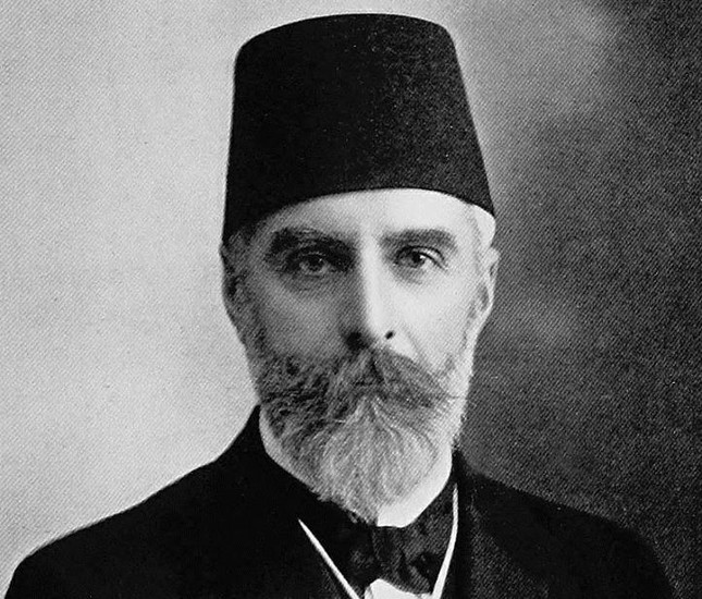 Ahmet Rıza helped the War of Independence by propagating the ideas of Mustafa Kemal in Paris beginning with June 1919.