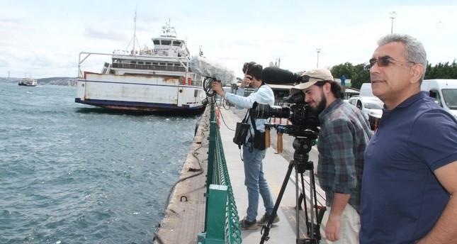 Director Musaoğlu (R) directing shooting in Istanbul.