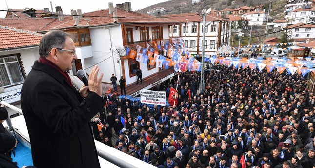 The AK Party's Ankara mayoral candidate Mehmet Özhaseki delivers a campaign speech in the capital's Çamlıdere district, Feb. 15, 2019.