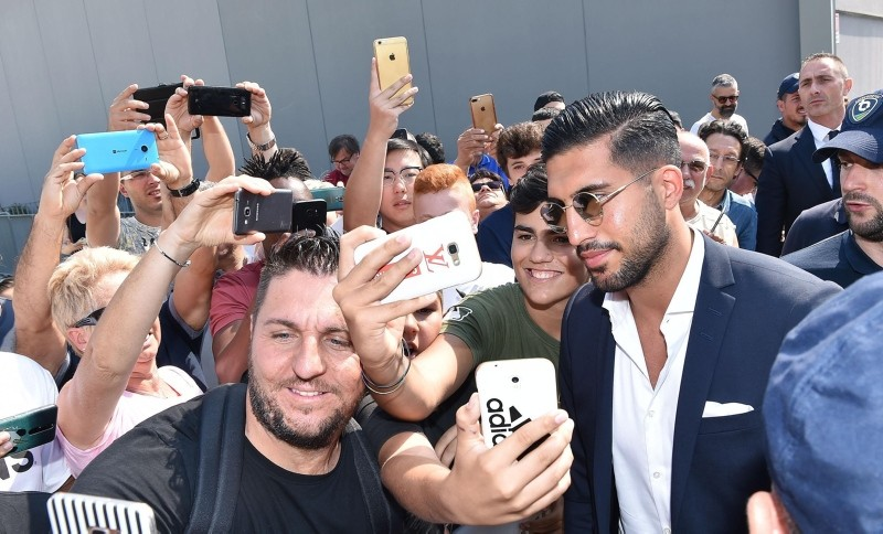 Emre Can, new Juventus mildfilder, arrives at Juventus Medical center for a medical check in Turin, Italy, June 21, 2018. (EPA Photo)