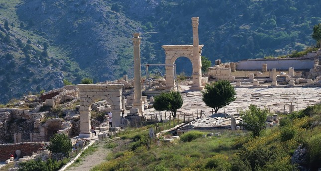 One of the important cities that Alexander the Great had difficulty in conquering, Sagalassos reflects the best examples of Roman architecture.