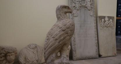 العثور على تمثالي نسرين من الرخام يعود تاريخهما لألفي عام  وسط تركيا