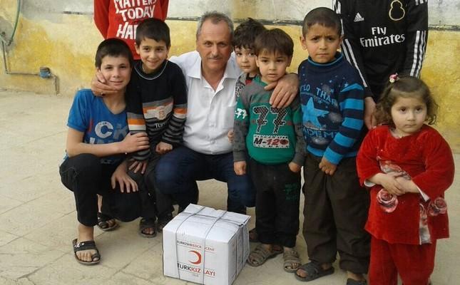 Turkish Red Crescent sends toys to children in Azaz