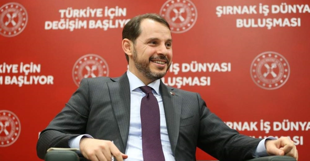 Treasury and Finance Minister Berat Albayrak met with businesspeople in the southeastern province of ??rnak, Dec. 27, 2019. (AA Photo)