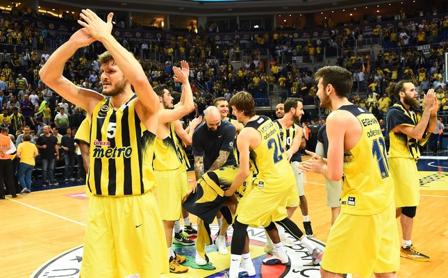 Fenerbahçe crowned Turkish Basketball League champions after beating Anadolu Efes 91-70