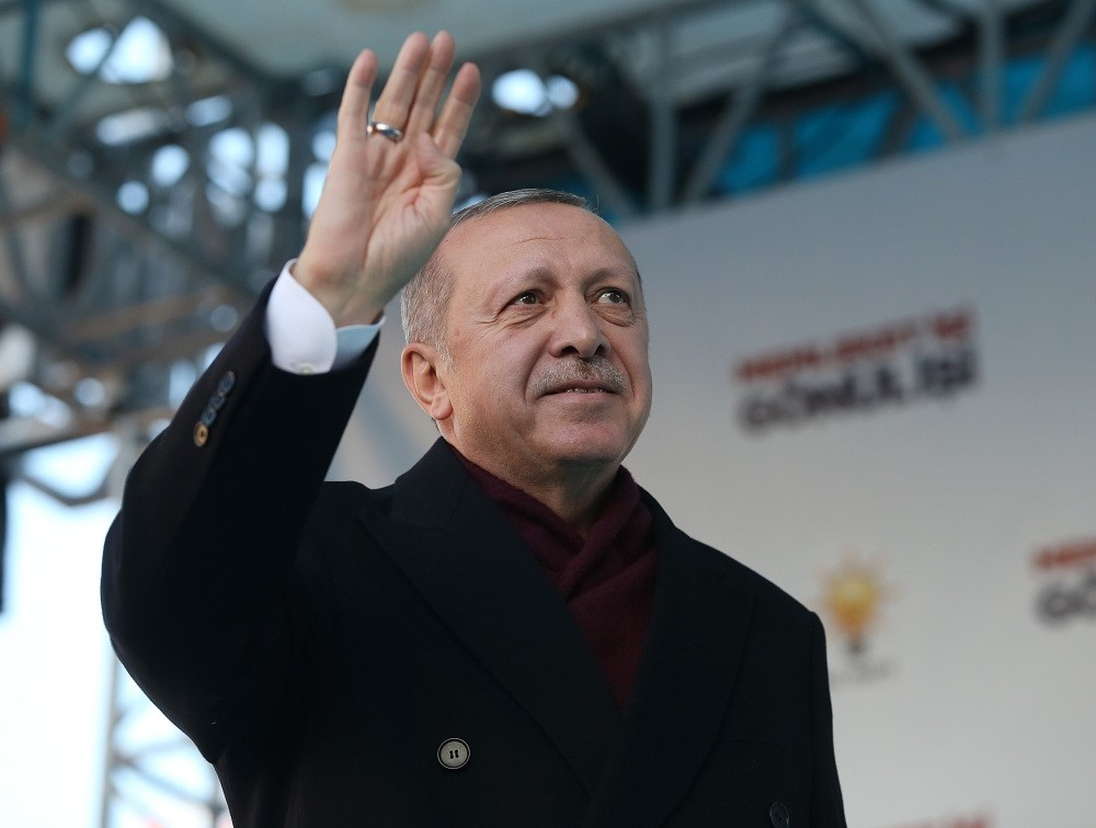 President Recep Tayyip Erdou011fan addresses people in Ankara's Altu0131ndau011f district, Feb. 20, 2019.