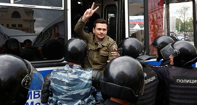 Riot police detain Russian opposition figure Ilya Yashin during an anti-corruption protest organised by opposition leader Alexei Navalny, in central Moscow Reuters Photo