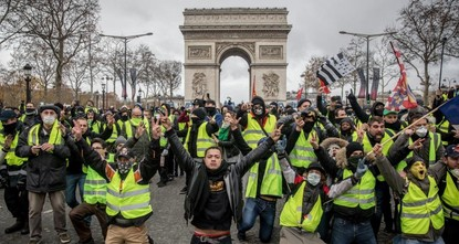 ناشطون يدعون للتظاهر في 3 دول أوروبية السبت