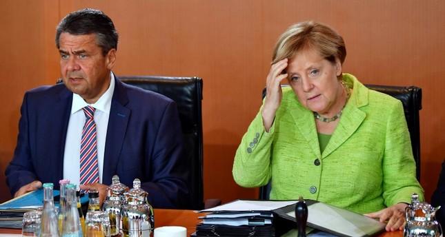 وزير خارجية ألمانيا السابق: ترامب يسعى لتغيير النظام في برلين