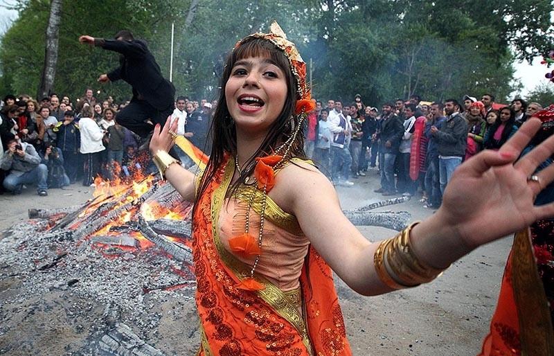 People celebrate the spring festival of Hu0131du0131rellez in Turkey's northwestern Edirne province. (AA Photo)