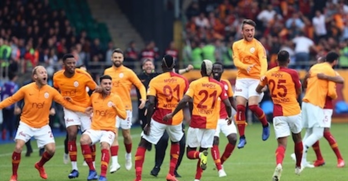 Galatasaray players  celebrate their late victory against u00c7aykur Rizespor after the match,  May 11, 2019.