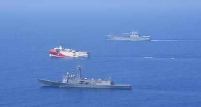 اليونان تصعّد التوتر في شرقي المتوسط عبر نقله إلى بحر إيجه