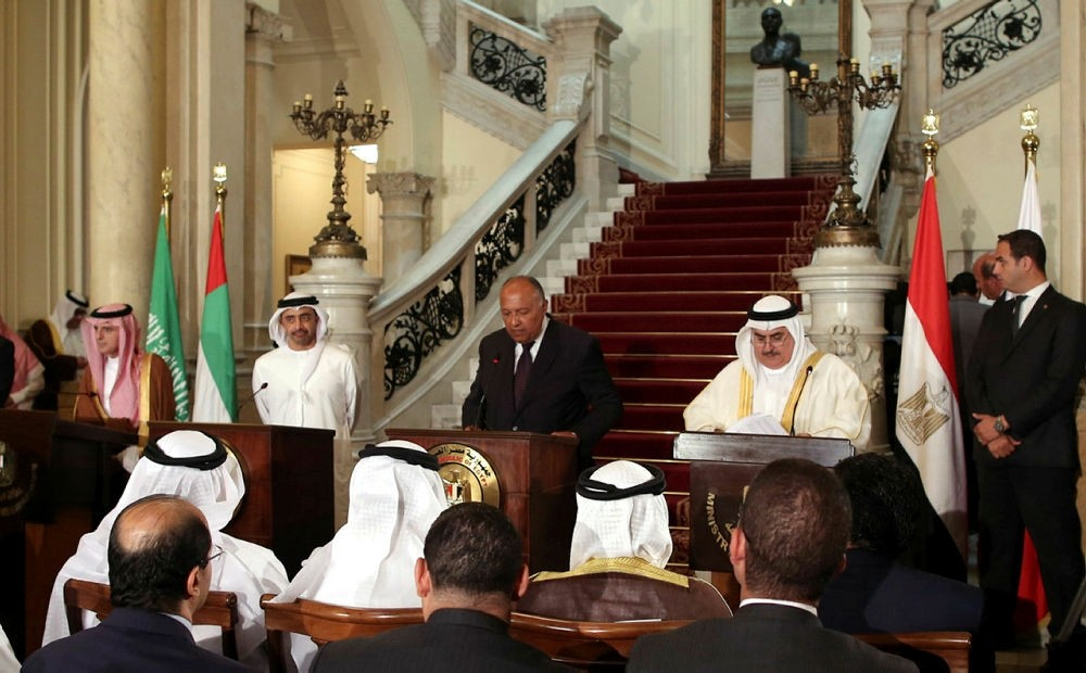 Egyptian Foreign Minister Sameh Shoukry (C), Saudi FM Adel al-Jubeir (L), UAE Minister of Foreign Affairs Abdullah bin Zayed Al-Nahyan (2nd-L), and Bahraini FM Khalid bin Ahmed al-Khalifa (3rd-R). (AFP Photo)