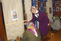 From mother to daughter: Rug weaving as a livelihood
