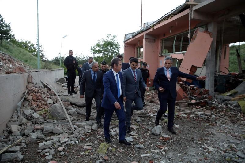 National Defense Minister Nurettin Canikli visits the scene of explosion at a gunpowder factory in Elmadau011f district of capitak Ankara, May 25, 2018. (AA Photo)