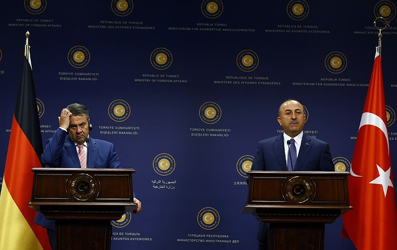 Foreign Minister Mevlu00fct u00c7avuu015fou011flu and his German counterpart Sigmar Gabriel attend a news conference in Ankara, Turkey, June 5, 2017 (Reuters Photo)