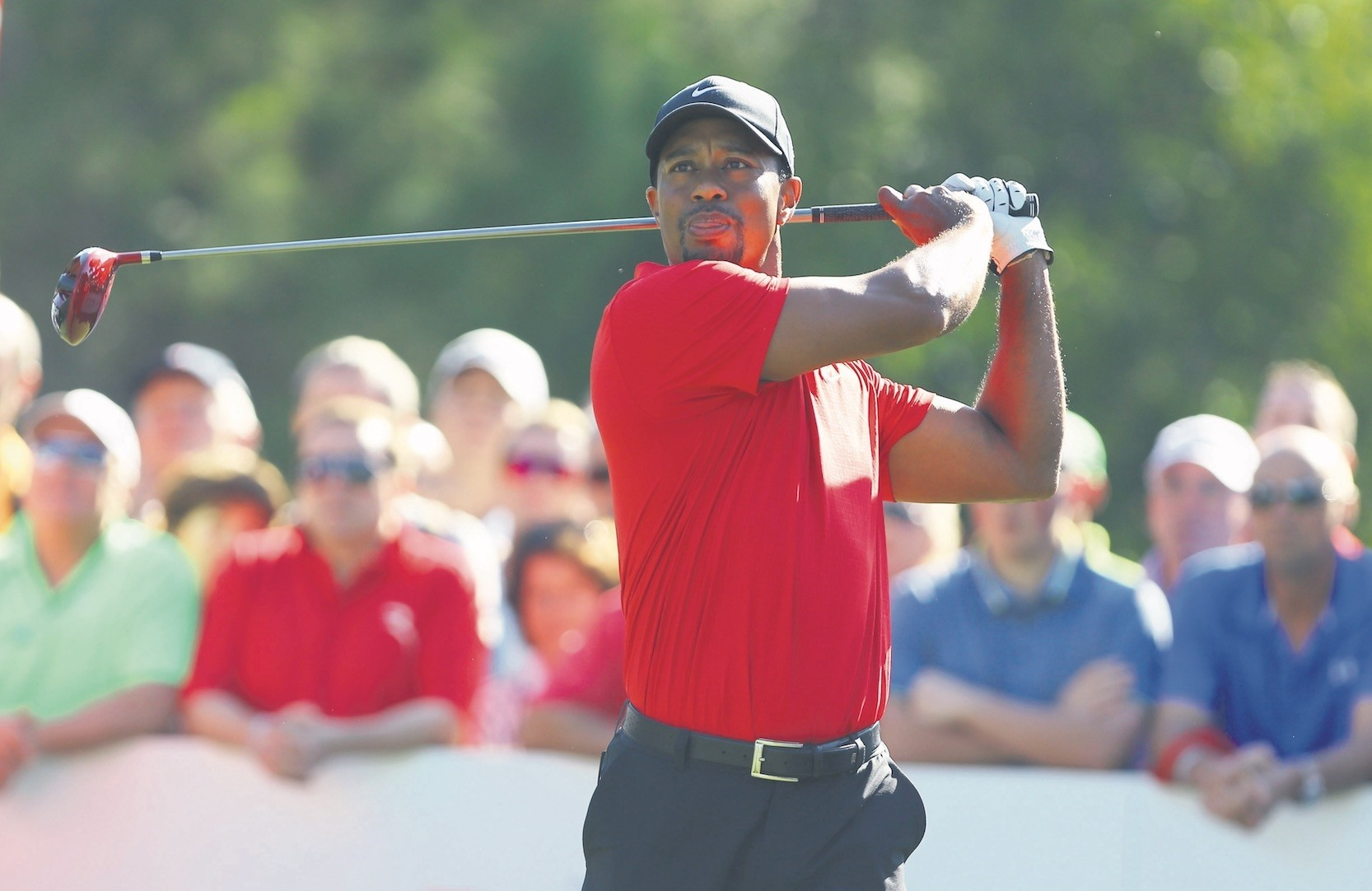 Tiger Woods plays a shot from the first tee during the final of the Turkish Open at the Montgomerie Maxx Royal Course in Antalya, Nov. 10, 2013.