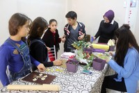 Syrian refugees overcome the negative effects of the war via handcraft