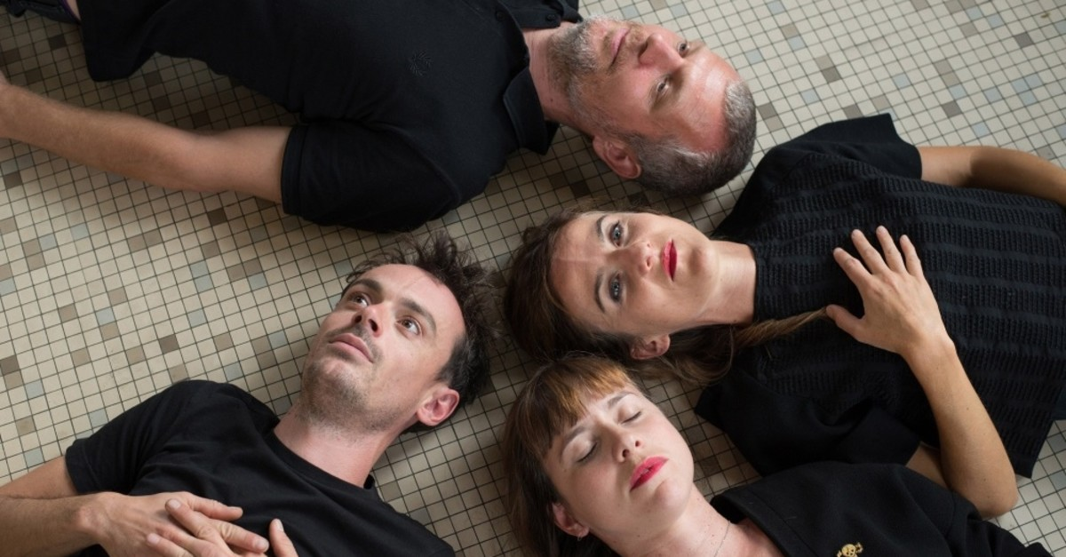 French string trio Vacarme will accompany Matt Elliott tonight.