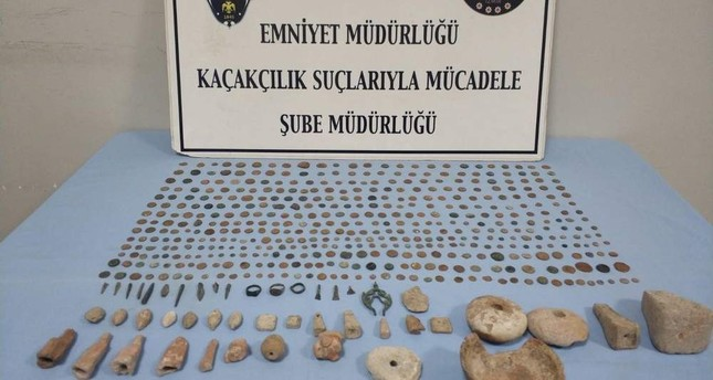 Almost 500 historical artifacts seized in anti-smuggling operation in western Turkey