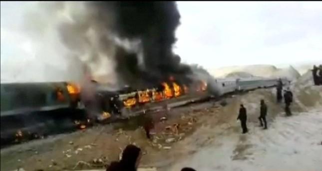 إيران: مصرع 30 وإصابة 70 في تصادم قطارين