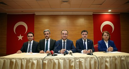 متحدث الحكومة التركية: مخطئ من يعتقد أن التلاعب بالليرة سيغير نتائج الانتخابات