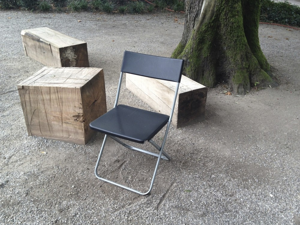 Jeff Talks is named after the Jeff folding chairs, referring to small meeting and workhops in confined areas.