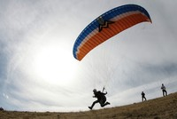 Amateur paragliders train at Turkey's highest peak