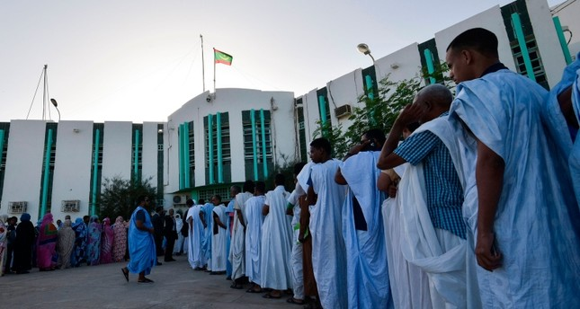 الموريتانيون يدلون بأصواتهم لاختيار رئيس جديد وسط منافسة محمومة