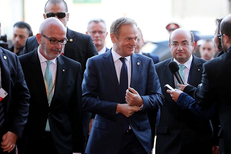 President of the European Council Donald Tusk (C) arrives for an informal summit meeting of EU leaders in Malta, Feb 3, 2017. (EPA Photo)