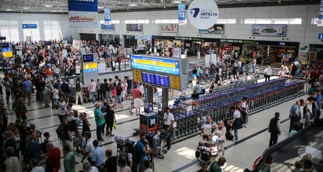 Fast 11 Millionen Touristen besuchen Antalya