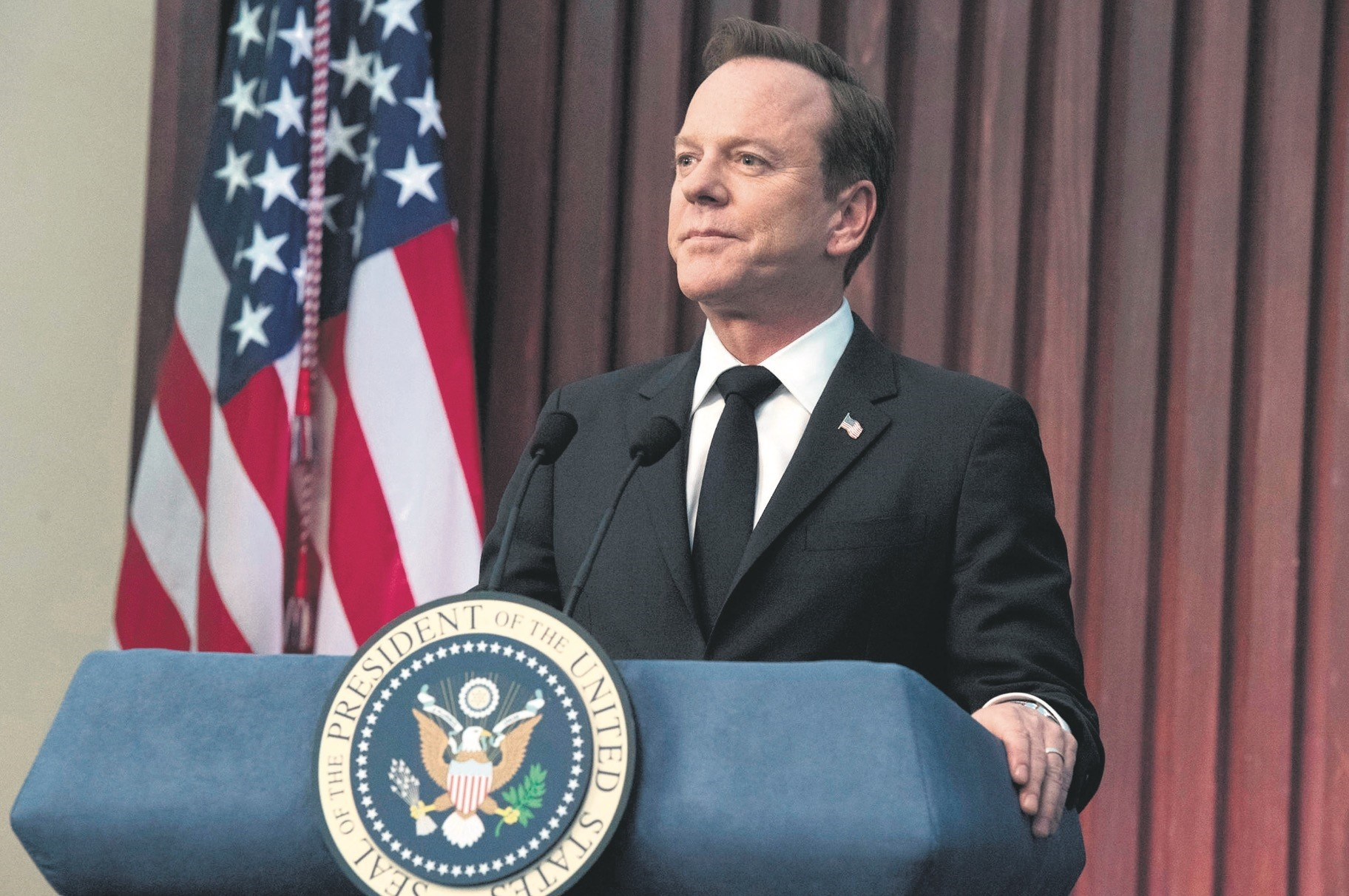Played by Kiefer Sutherland, the character Tom Kirkman becomes the U.S. president as the designated survivor.