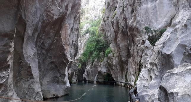 لعشاق الطبيعة.. أخدود كيسيجيك جنوب تركيا سيضمن لك رحلة شيقة