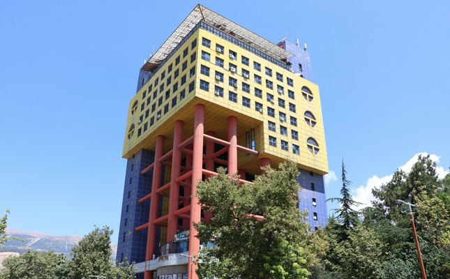 Eyesore or masterpiece? Building adds to Turkish city's fame