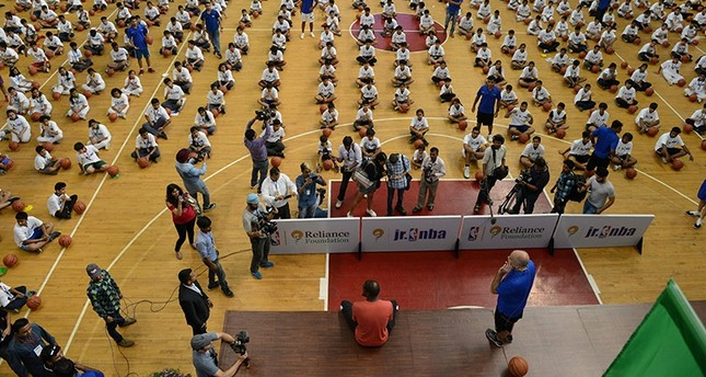 NBA star Durant and 3,459 children set new record in India
