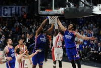 Turkey's Anadolu Efes beat Olympiakos in EuroLeague