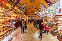 Tourists' shopping up nearly 70% in first 7 months