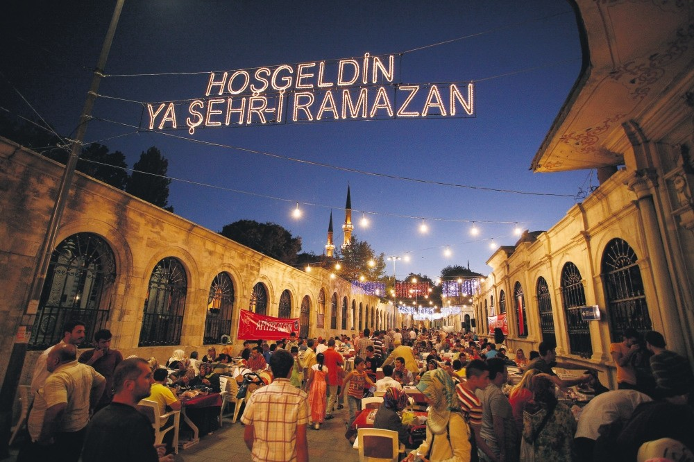 Eyu00fcp Sultan Mosque hosts various events during every Ramadan.