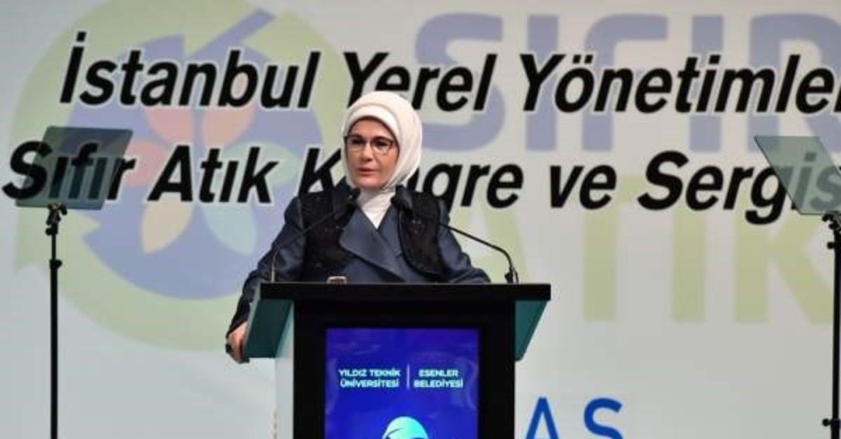 Emine Erdou011fan addressed a congress on zero waste, Istanbul, Oct. 11, 2019. (DHA Photo)