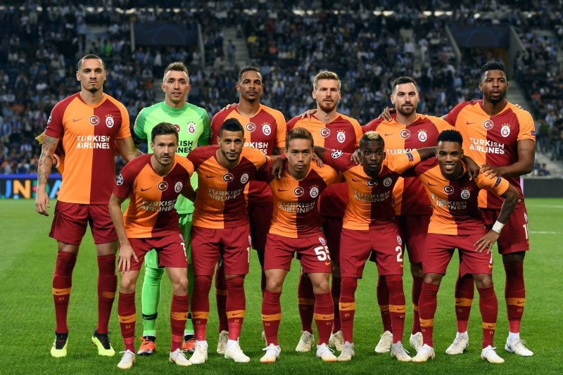 Galatasaray players pose before the UEFA Champions League group D football match against FC Porto and at the Dragao stadium in Porto, Portugal, Oct. 3, 2018. (AFP Photo)