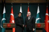 Erdoğan, Pakistan's PM Khan meet in Ankara, vow to strengthen ties