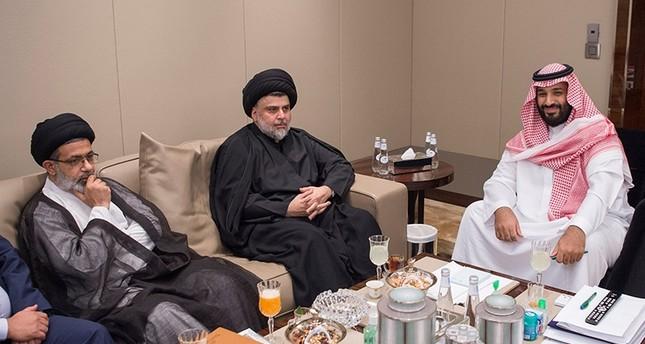من استقبال ولي العهد السعودي لمقتدى الصدر (رويترز)