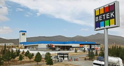Japan's Nippon Paint finalizes Turkish Betek's acquisition for $247 million