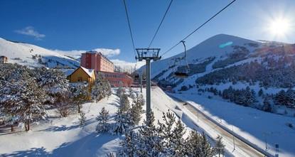 Skiers race to Palandöken to celebrate New Year