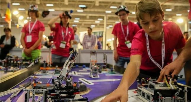 طلاب أتراك يحرزون المركز الأول في بطولة العالم للروبوتات في سيدني الأسترالية