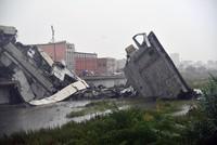 Einsturz von Autobahnbrücke in Italien: Mind. 22 Tote
