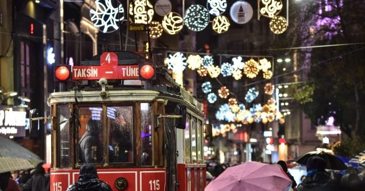 Taksim Square will be the main gathering place for those looking to welcome in the New Year in Istanbul. (DHA Photo)